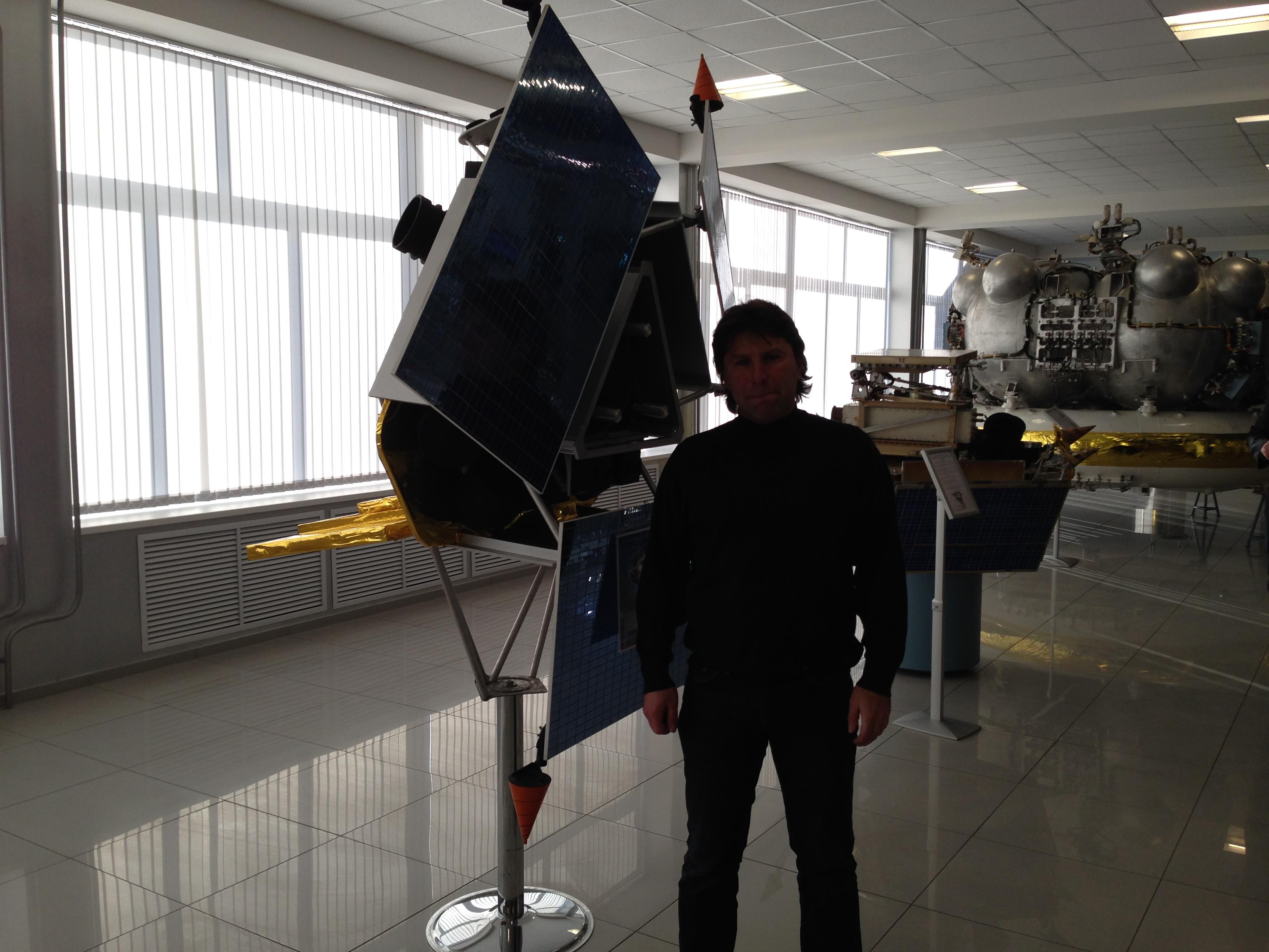 31 января 2014 года. Музей НПО-Л. XXXVIII чтения по космонавтике. Я и Карат в заходе